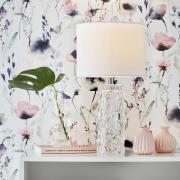 Madame hvid bordlampe med tekstilskærm